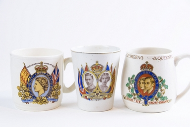 Queen Mary Mugs
